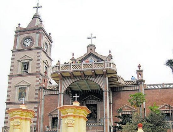 Basilica of the Holy Rosary, Bandel