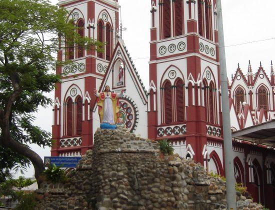 Basilica of the Sacred Heart of Jesus, Pondicherry